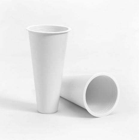 Cono plástico vacío